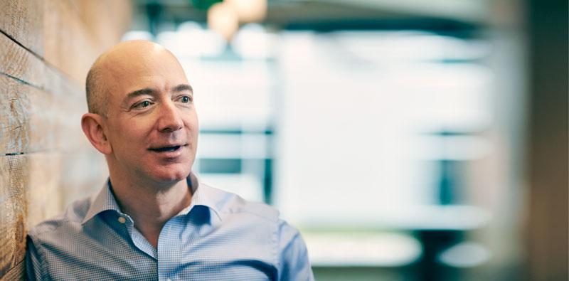Bezos, sucediendo a Jobs con su nuevooctocóptero